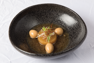 Nibitashi Daikon and Seasoned Quail Egg